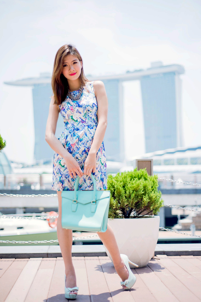 Corporate Beauty Dress in Colour Splashes