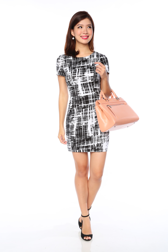 Lady in Confidence Dress in Mono Abstract (Black Base)