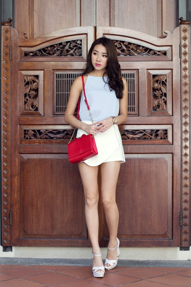 Gwen Overlap Shorts in White