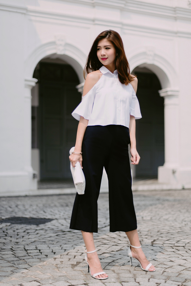(FMTP x TIPPYTAPP) Preppy Threads Exposed Shoulder Top in White