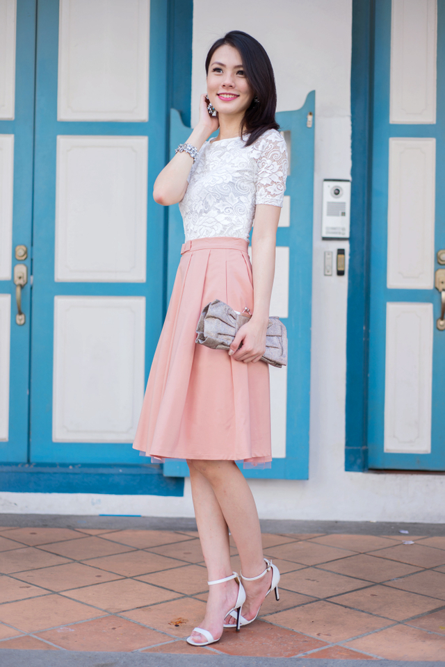 Take A Bow Tulle Midi Skirt in Pink