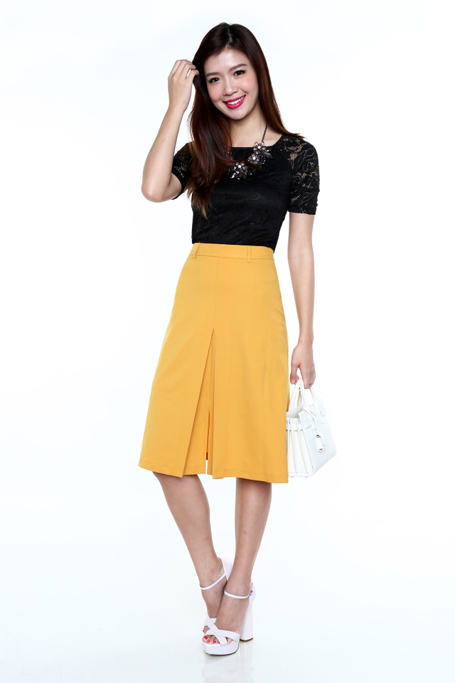 Vintage Days Midi Skirt in Mustard