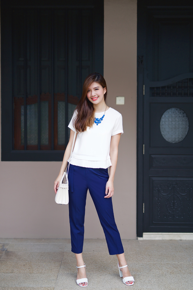 Mila Pants in Navy