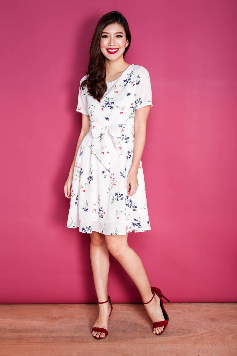 Get This Dress And Accessories At Its Fashion Metro In: Happy Vibes Sash Tie Dress In White Florals