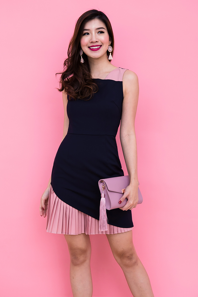 Kate Pleated Contrast Dress in Navy Pink