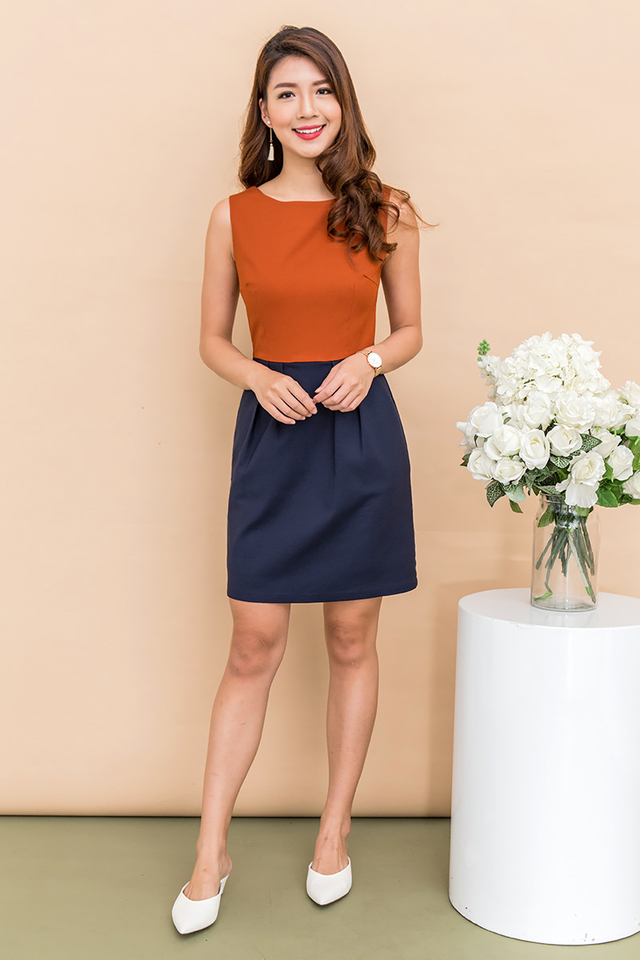 Corporate Beauty Midi Dress in Caramel Navy