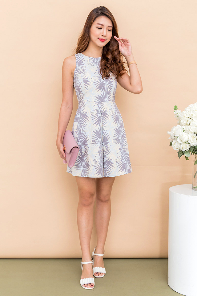 Jessica Centre Pleat Dress in Sky Tropics