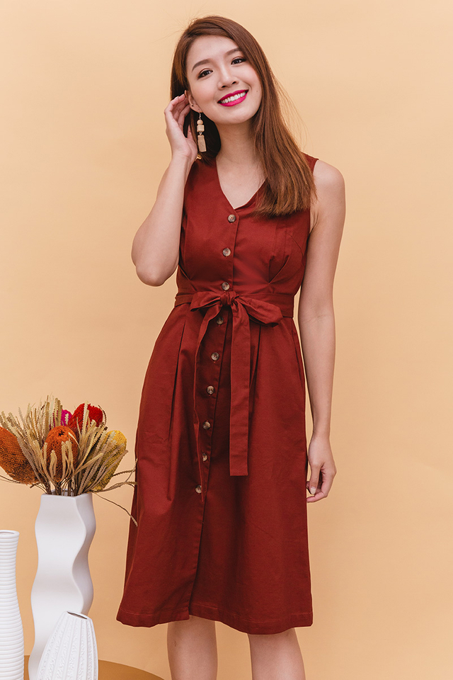 Elyse Trench Midi Dress in Wine