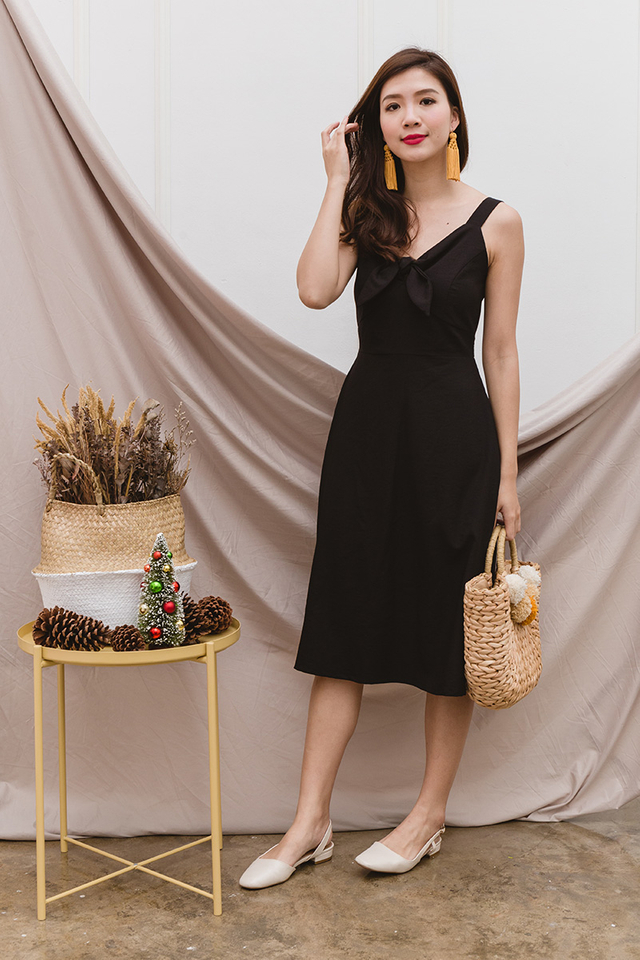 Gladys Knot Dress in Black