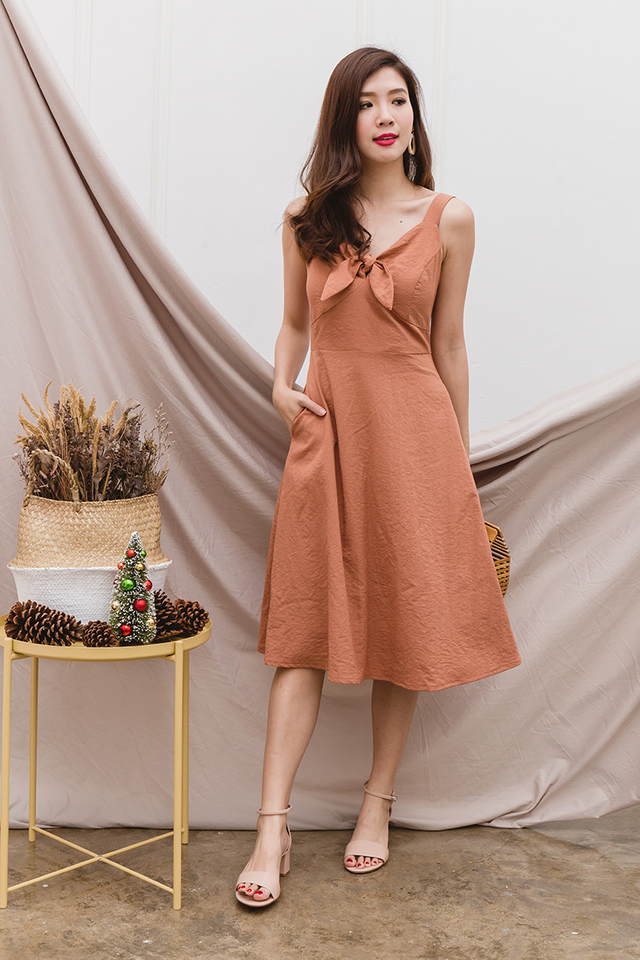 Gladys Knot Dress in Ginger