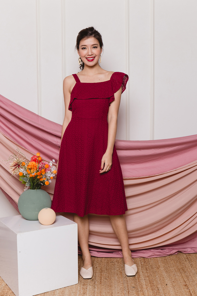 Sierra Eyelet Midi Dress in Burgundy Wine