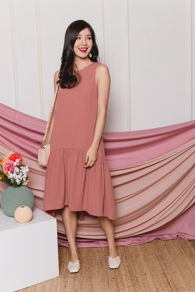 Della Drop Hem Dress in Tea Rose