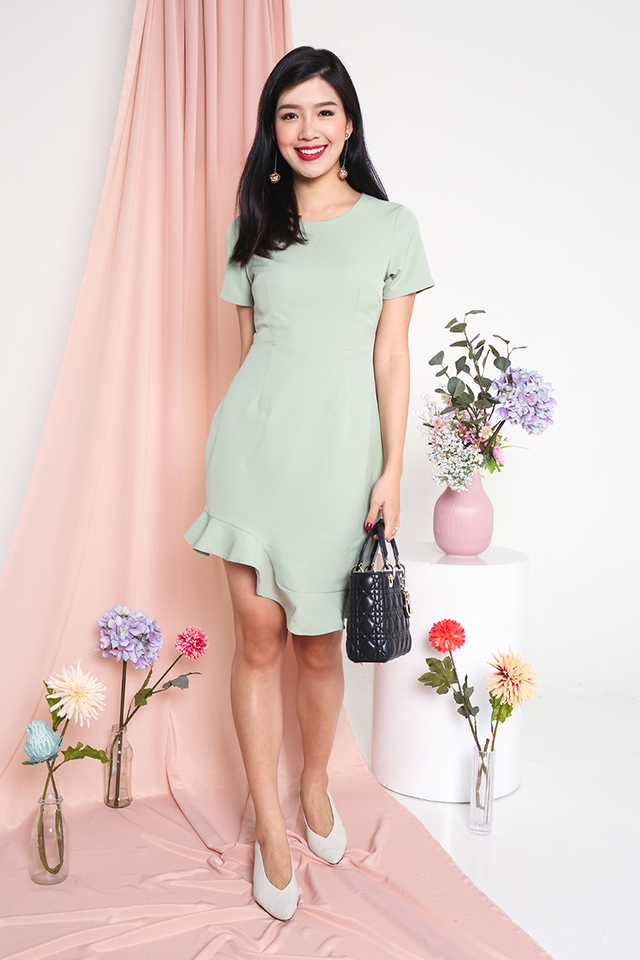 Lovely Wavy Dress in Sage Green