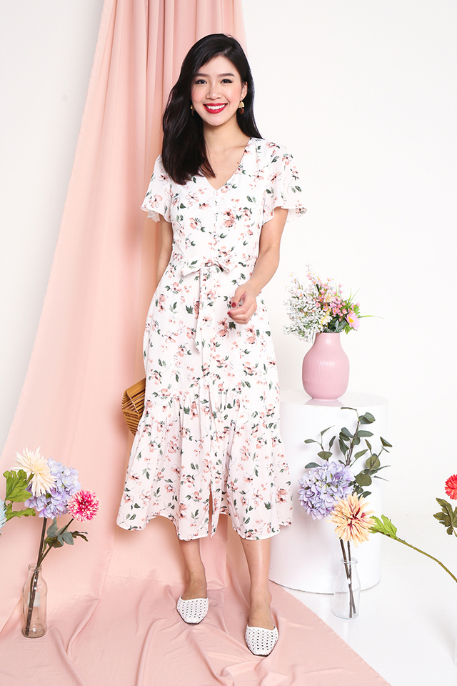 Sweetest Blooms Midi Dress in Peach