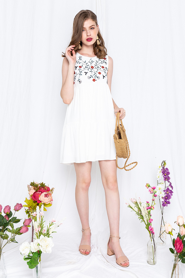 Birds of Paradise Embroidery Dress in White