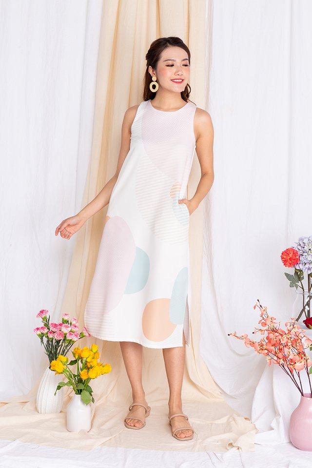 Abstract Displays Sleeveless Midi Dress in Pink Palette