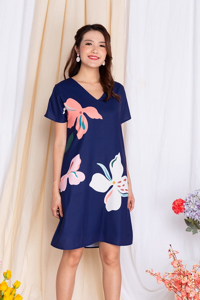 Harmony Sleeved Tee Dress in Navy