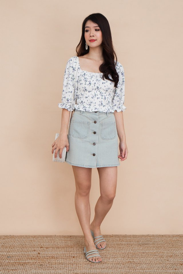 Calla Buttons Denim Skirt in Light Blue Denim