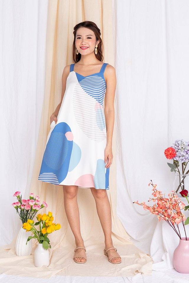 Abstract Displays Sweetheart Flare Dress in Blue Palette
