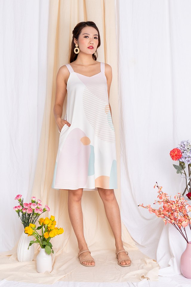 Abstract Displays Sweetheart Flare Dress in Pink Palette