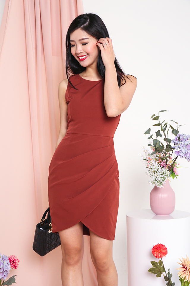 Alicia Tulip Hem Dress in Terracotta