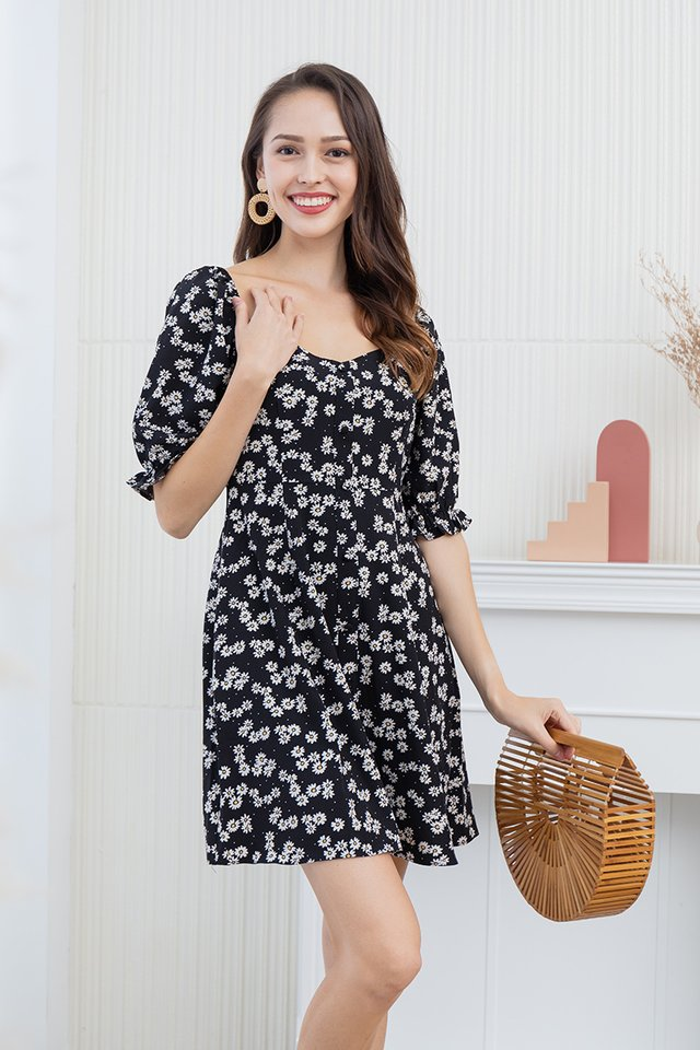 Hailee Daisies Dress in Black