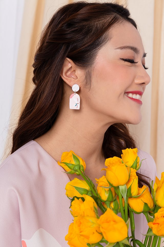 Harmony Arch Earrings in Lady Pink