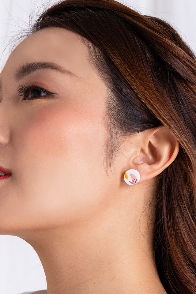 Harmony Round Studs in Pearl White