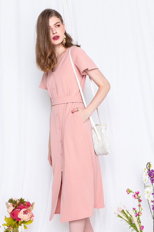 Saturdate Dress in Peachy Pink