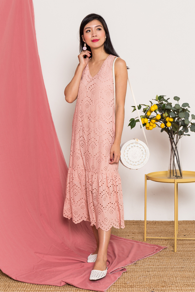 Tammy Eyelet Midi Dress in Blush